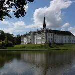 Slot Holsteinborg nær Bisserup strand og Glænø